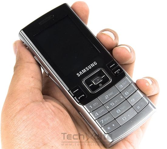 รีวิว Samsung SGH-M200: ฟังก์ชั่นครบๆ ราคาสบายกระเป๋า